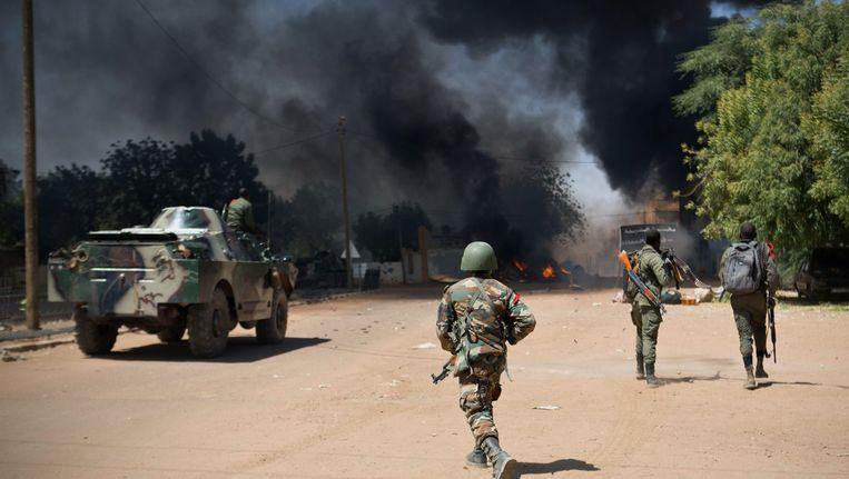 Soldaten in Mali vechten tegen islamitische extremisten Beeld AP