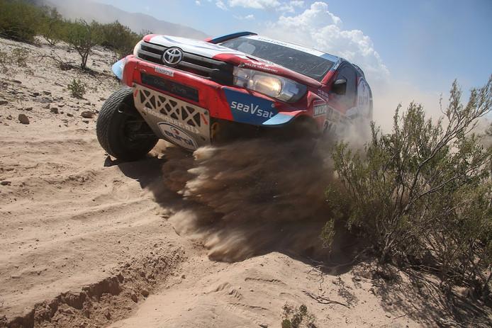 De Toyota Hilux Overdrive van Erik van Loon tijdens Dakar 2017