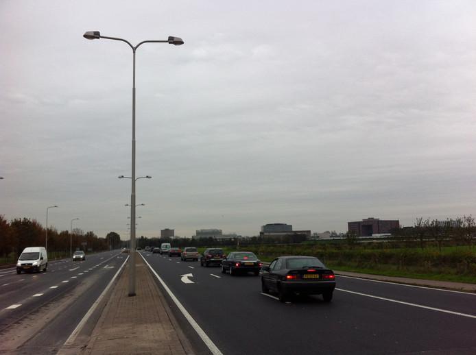De Mansholtlaan in Wageningen is in de spitsuren een groot knelpunt in de bereikbaarheid van de stad. FOTOBRONfoto DG
