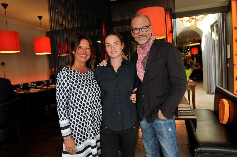 Chef Roland Debuyst met zijn vrouw Ayse (l.) en zijn dochter Gaëlle (m.)