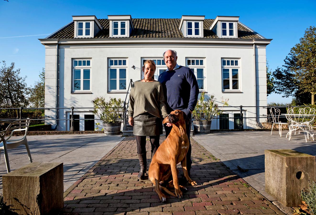 Abcoude - Suzanne en Han van Blokland van B&B Villa Oldenhoff die als enige een 10 scoort op Zoover.n