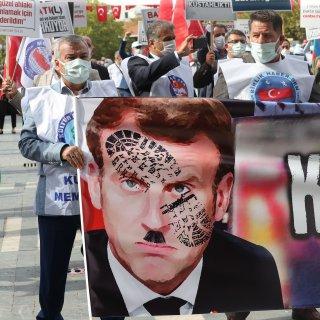 turkije-zint-op-juridische-stappen-na-nieuwe-spotprent-over-erdogan