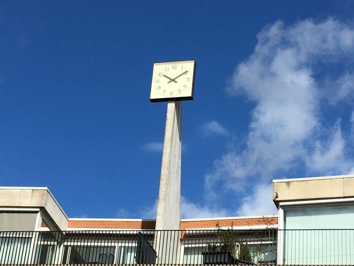 Klok op het Raadhuisplein