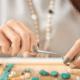 Déze opvallende sieraden-trend is terug van weggeweest