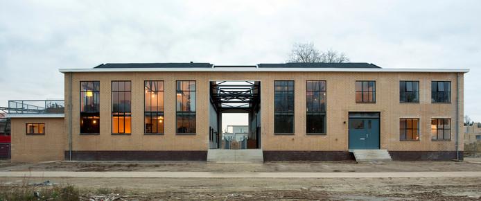 Transformatie van oud Philips pomphuis RAG tot woningen, Strijp-R. Architecten: Piet Hein Eek en Iggie Dekkers. Foto Thomas Mayer
