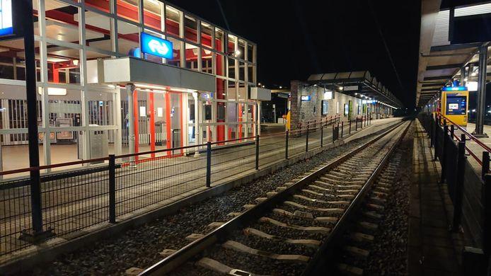 Ook het station is uitgestorven.