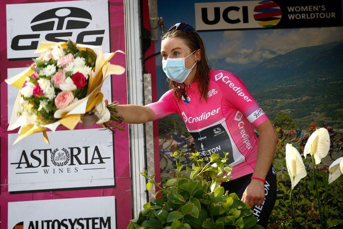 Annemiek van Vleuten brak haar pols in de Giro Rosa.