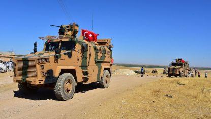 Turkije begint bijkomende troepen naar Syrische grens te sturen