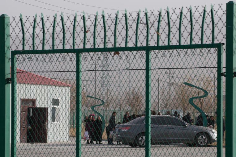 Burgers in een van de kampen in Xinjiang. Beeld AP