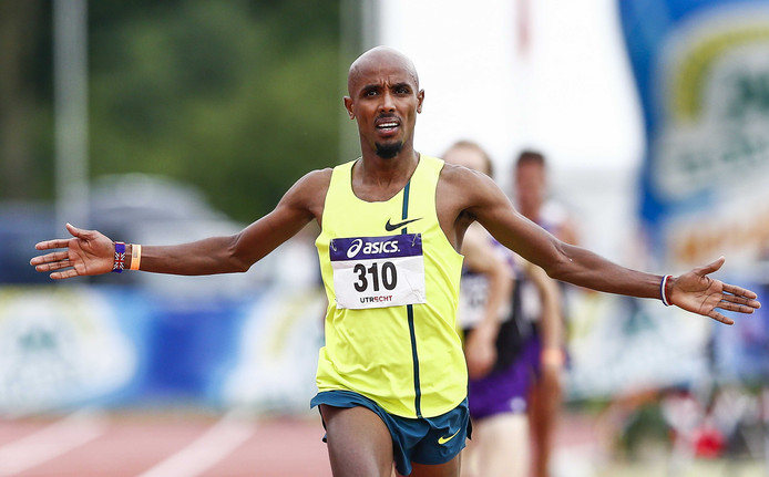 Mohamed Ali Mohamed juicht na het winnen van de 5000 meter tijdens de NK atletiek van vorig jaar.