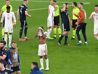 """Engelse pers niet mals voor vedetten en probleemgeval Kane: """"Bende voetgangers in een match aan 100 mijl per uur"""""""