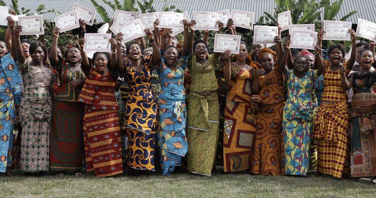Yann Arthus-Bertrand en Anastasia Mikova kregen tweeduizend vrouwen uit vijftig landen voor de camera. Beeld