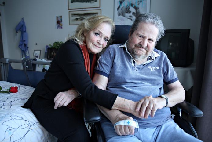 Anneke Scheeres en Michel Lachmann vinden het heel fijn dat ze af en toe een nacht bij elkaar kunnen slapen.