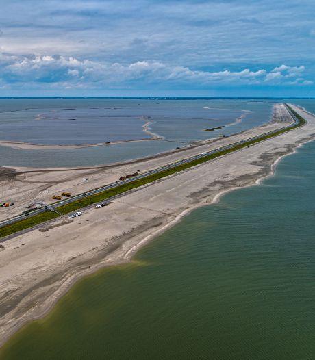Dijk tussen Enkhuizen en Lelystad gaat vanavond dicht: verkeer moet 88 kilometer omrijden