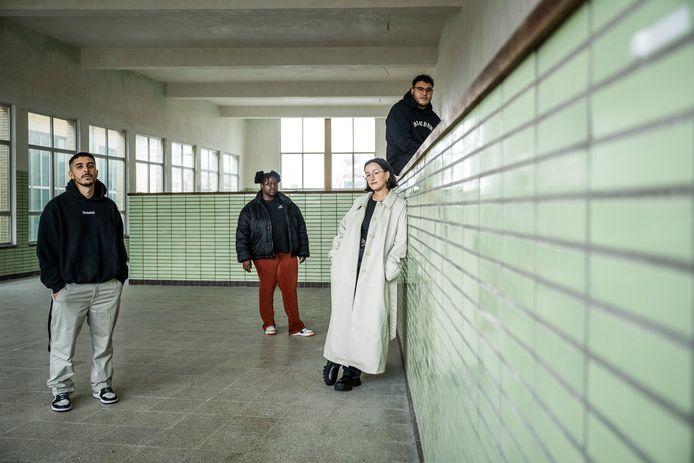 Hamed, Cathy, Inès en Sami vormen mee het nieuwe creatieve team achter het Fire Is Gold-festival.