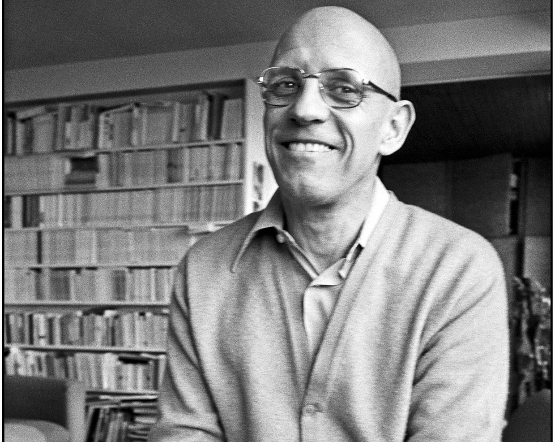 Michel Foucault thuis in Parijs, in 1978.