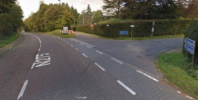 De toegang van de Terhulpensesteenweg naar de Charles Melottestraat in Hoeilaart wordt donderdagochtend afgesloten door werken.