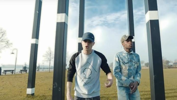 De Gorinchemse rappers Dylan David en Bungaloow willen jongeren met de track Keuzestress bewust maken over het fenomeen sexting.