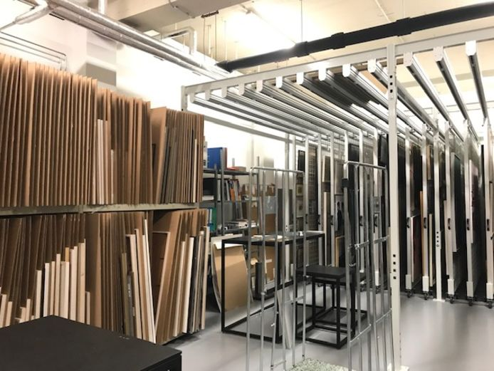 De kunstcollectie van de provincie Gelderland moet worden ingedikt.  Een deel van de collectie ligt opgeslagen in depots.