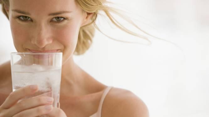 8 manieren om meer water te drinken