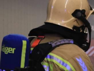 Bewoners blussen zelf brand aan carport