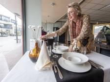 Kunstmatig sfeer in leegstaande winkels in centrum Eibergen: weg met 'donkere gaten'