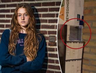 """Leerlinge (18) ontdekt doorkijkspiegel in kleedkamer op school en dient klacht in: """"Zoiets verwacht je enkel in films"""""""