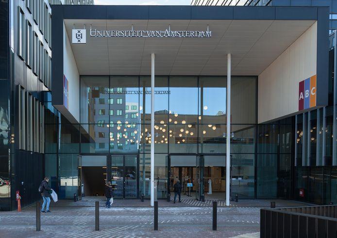 De Universiteit van Amsterdam (UvA) staat dit jaar op plaats 55 .