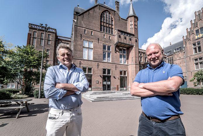 DUWO-directeur Hans Pluim (links) en beheerder Bert van Toorn proberen overlast door 'hun' studenten te voorkomen door het gesprek met hun huurders en omwonenden aan te gaan.