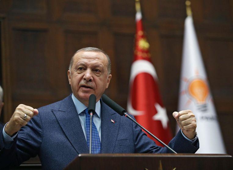 Erdogan deed de uitspraken tijdens een bijeenkomst van zijn eigen partij in het parlement in Ankara. Beeld EPA