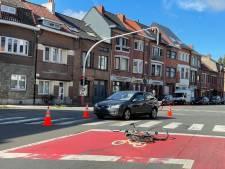Ongevallenkruispunt aan Sint-Bernadettestraat krijgt paaltjes en lijnen in afwachting van heraanleg