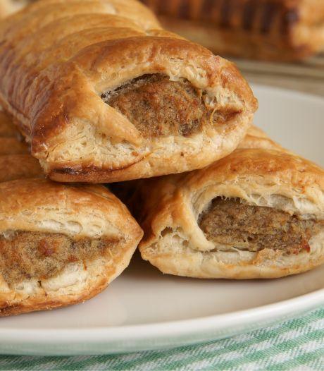 Dit zijn de lekkerste saucijzenbroodjes van de supermarkt