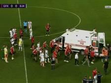 Fabrice N'Sakala s'effondre en plein match et quitte la pelouse en ambulance