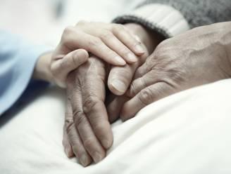 """Open Vld snijdt nieuwe ethische discussie aan: """"Laat euthanasie toe bij mensen met dementie"""""""