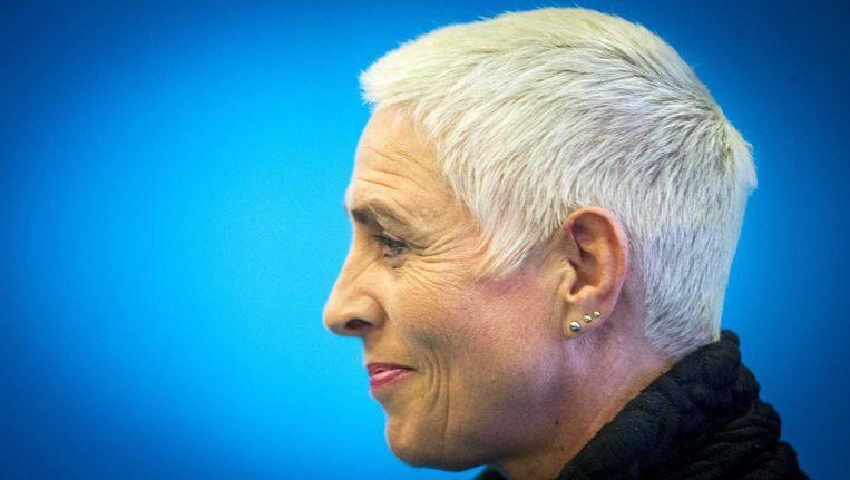 Staatssecretaris Wilma Mansveld van Infrastructuur en Milieu (IenM) kondigt haar aftreden aan na de presentatie van het rapport van de parlementaire enquetecommissie Fyra. Beeld anp