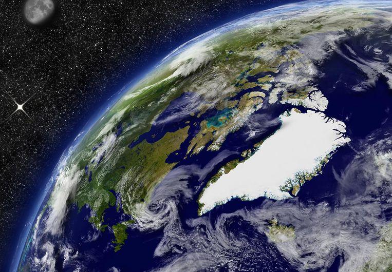 De Groenlandse ijskap is tot drie kilometer dik. Door de opwarming van de aarde kunnen er donkerkleurige algen op groeien die het smelten van het ijs versnellen.