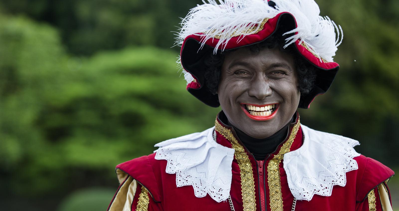 Harold Verwoert als Piet Diego tijdens een onderbreking van de opnames voor de film 'Sinterklaas & Diego: het geheim van de ring' in kasteel De Haar.