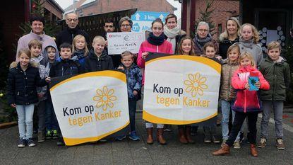 Basisschool Klim-Op schenkt 250 euro aan Kom op tegen Kanker