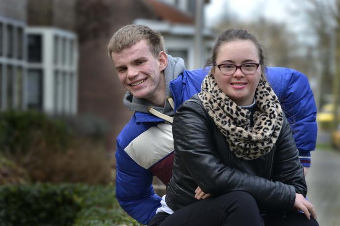 Margot en Koen wachten al een paar jaar op de bouw van zorglandschap Bloemendaal in Vianen. Zij kunnen dan dichter bij vrienden en familie wonen.