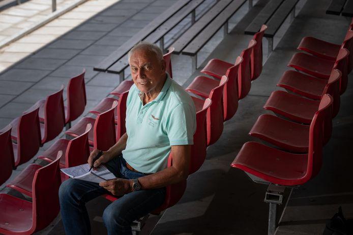 Gerrit Bredewold is als analist teruggekeerd bij Urk, waar hij in 1996 het hoogtepunt van zijn trainersloopbaan meemaakte. Urk werd kampioen in de eerste klasse en speelde om de titel van de zaterdagamateurs tegen Hoek en Scheveningen.
