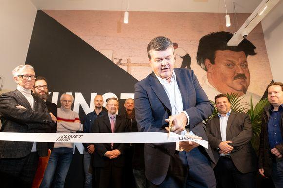 minister Bart Somers opent de tentoonstelling