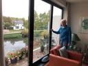 Ted Kempers is oud-wiskundedocent van het Zwijsen College en woont nu in de voormalige school.