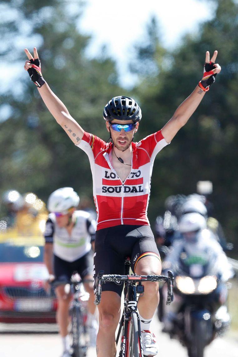 Thomas De Gendt triomfeert op de Mont Ventoux in de Tour van 2016. Serge Pauwels strandt op enkele seconden. Beeld ANP