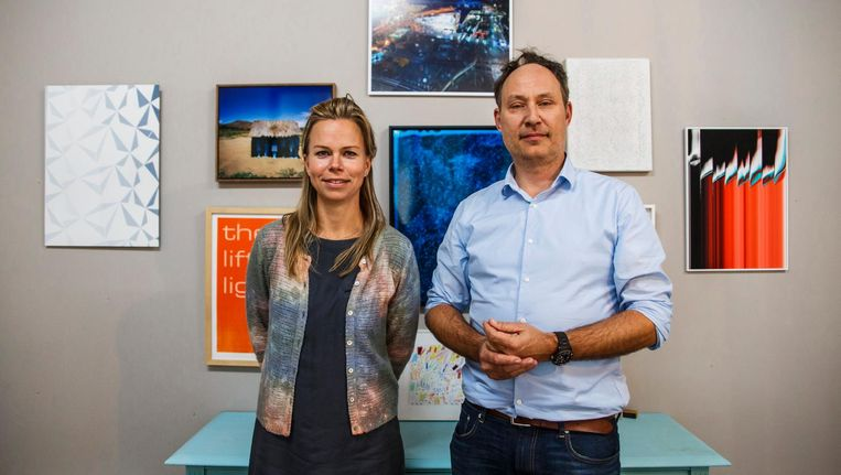 Michiel Hogenboom en Carolien Smit van We Like Art. 'Museale kunst is helemaal niet onbereikbaar.' Beeld Carly Wollaert