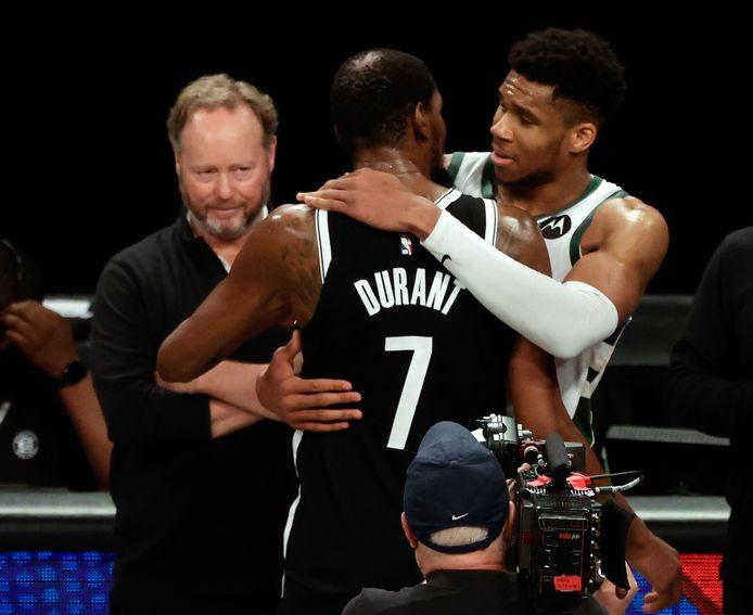 Niets dan respect na affluiten tussen Giannis Antetokounmpo en Kevin Durant.