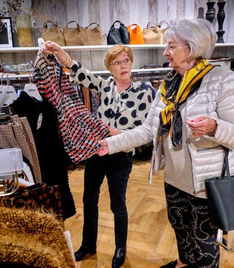 Joke begon vijftig jaar geleden bij deze kledingwinkel en denkt nog niet aan stoppen: 'Het is voorbij gevlógen'