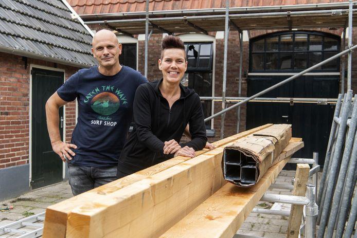 Jeff Sloot en partner Stephanie van Malssen kochten in coronatijd marktante woning aan de Molenstraat en verbouwen het eigenhandig.