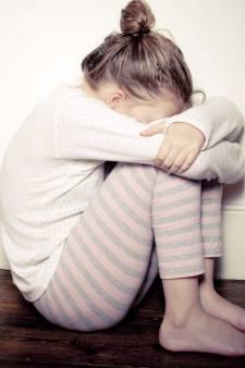 Beschadigd meisje (11) is 'heldin van Alem', moeder blij met massale steun: 'Dit doet haar goed'