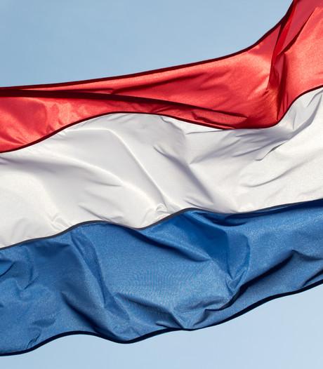 VVD en D66 willen vlaggen van Nederland en Harderwijk in raadzaal