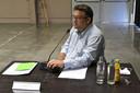 Schepen Sonny Ghesquière tijdens de voorbije gemeenteraad in Oosthove
